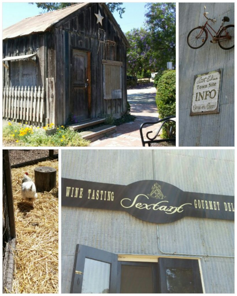 I enjoyed the cozy outside atmosphere: bikes on the walls, a chicken coop, a cute front porch.